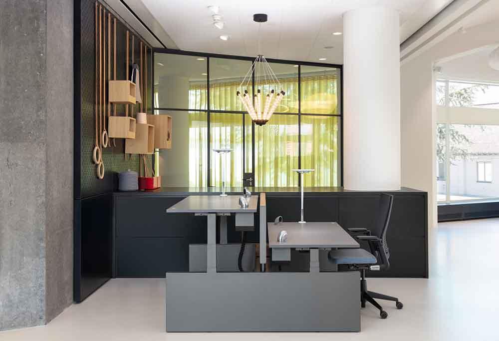 Ahrend zit-sta bureau