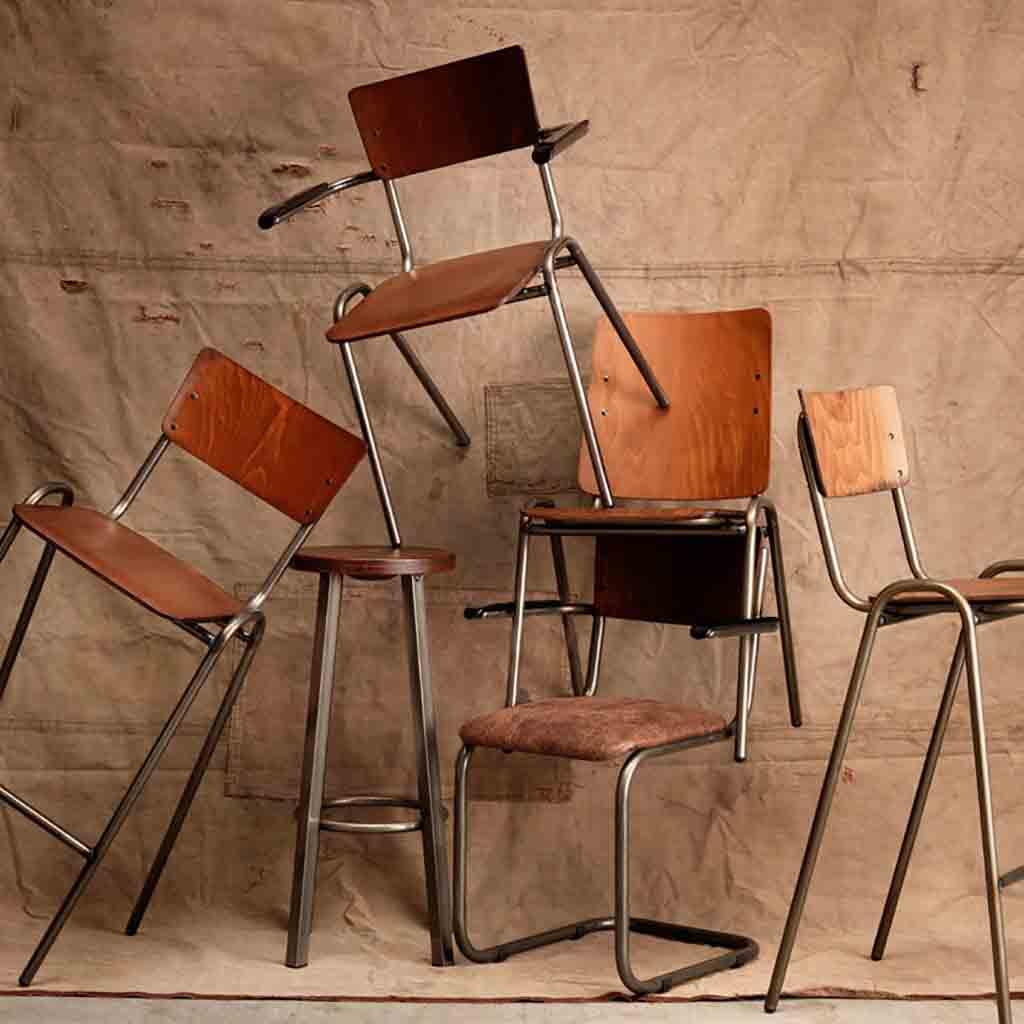 De Valk Meubelfabriek stoelen, barkrukken en barstoelen van multiplex